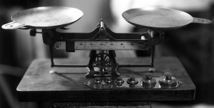 Eastman Kodak darkroom balance (Fuji instant film)