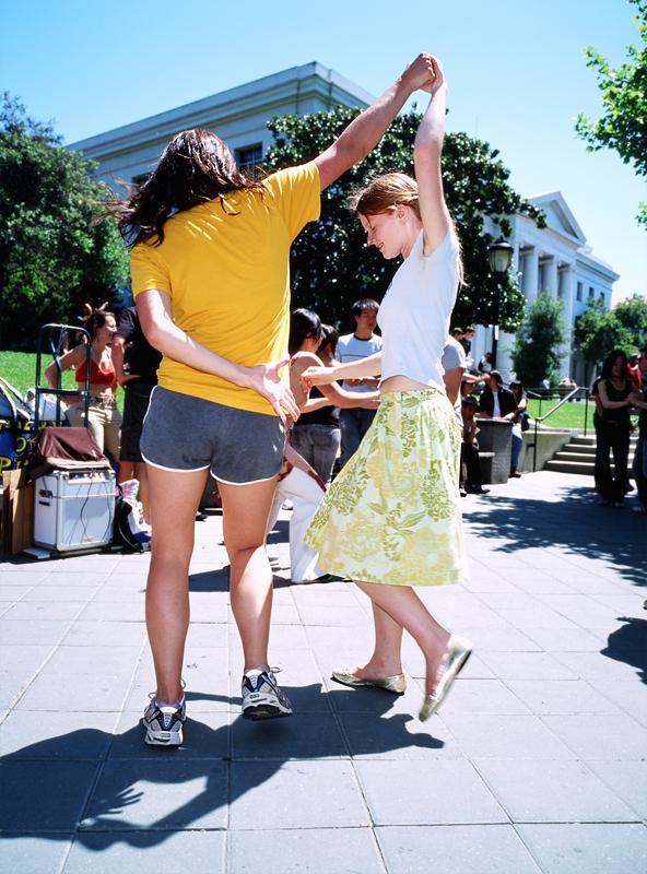 Dancers in sneakers, golden slippers (Berkeley, 2009) © Sheila Newbery