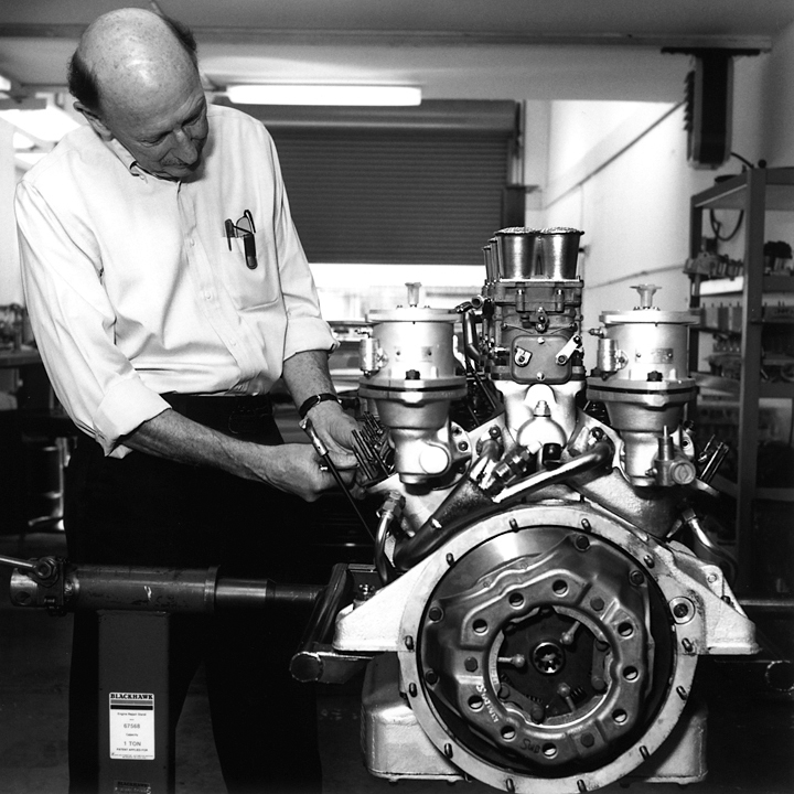Master mechanic at work (Patrick Ottis Company, Berkeley, 2006) © Sheila Newbery