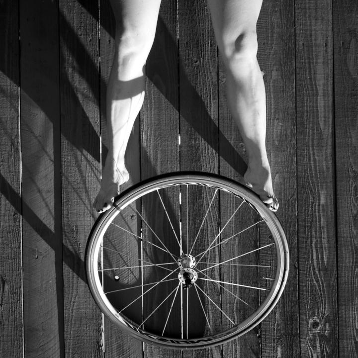 Spokes (El Cerrito, CA, 2011) © Sheila Newbery